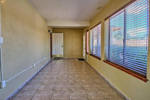 2108 Campbell Rd NW-large-034-44-Campbel
