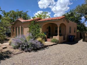 Property for sale at 215 Bryn Mawr Drive SE, Albuquerque,  NM 87106