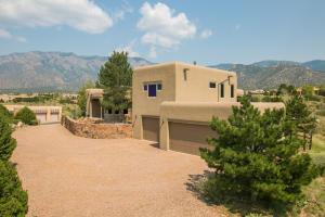 Property for sale at 13532 Canada Del Oso Place NE, Albuquerque,  NM 87111