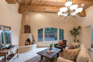 Property for sale at 1022 Acequia Trail NW, Los Ranchos,  NM 87107