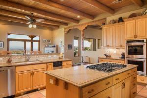 043-Kitchen