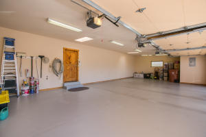 086-Garage