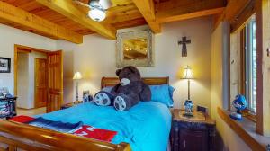 5fFs9S7JHWL - Bedroom mod