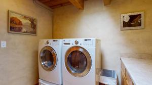5fFs9S7JHWL - Laundry mod