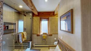 5fFs9S7JHWL - Master Bathroom(3) mod