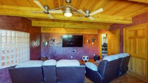 5fFs9S7JHWL - Media Room(1) mod