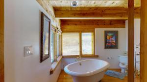 5fFs9S7JHWL - Upstairs Bathroom(1) mod