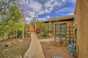 330 Faculty Ln Corrales NM-print-088-87-