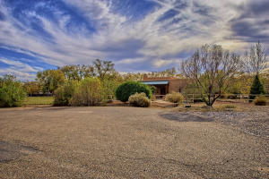 330 Faculty Ln Corrales NM-print-007-32-