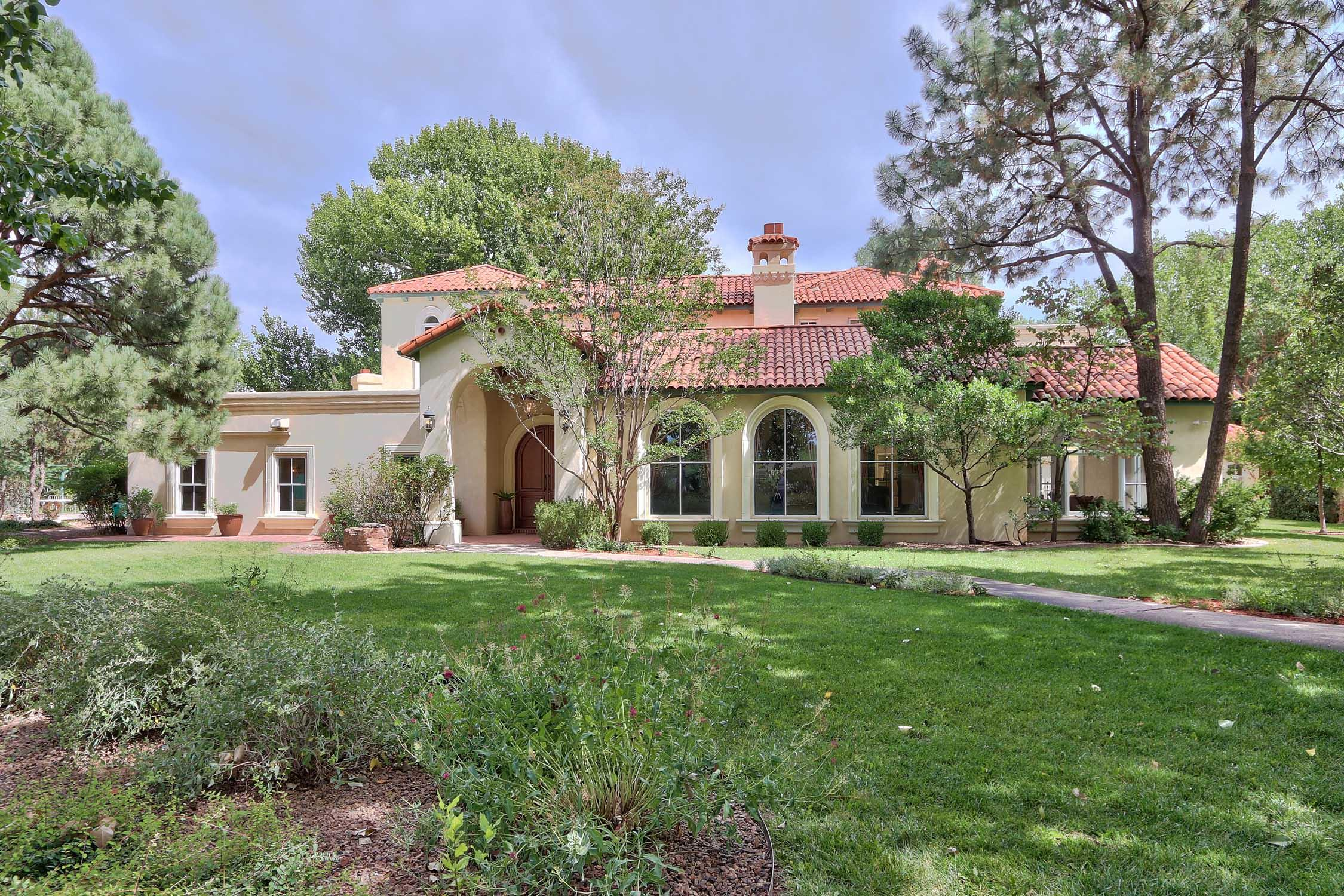 5200 EAKES ROAD NW, LOS RANCHOS, NM 87107