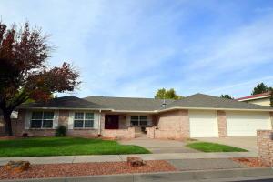 Property for sale at 5817 Royal Oak Drive NE, Albuquerque,  NM 87111
