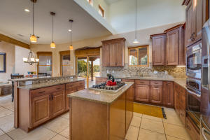 106 Montezuma Ct Kitchen b