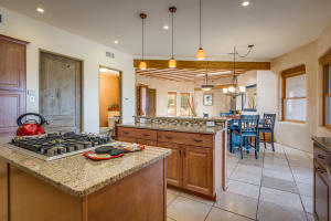 106 Montezuma Ct Kitchen e