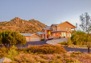 Property for sale at 18 Desert Mountain Road SE, Albuquerque,  NM 87123