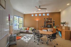 Guest suite/office (BdRm 2)
