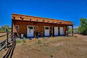 2 horse stalls & paddock