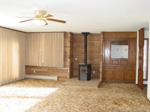 Huge 18x24\' Living Room!