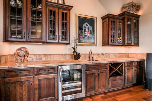 Wet Bar with Fridge