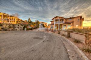 4400 Canyon Court NE-50