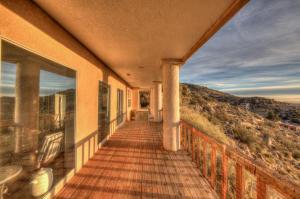 4400 Canyon Court NE-33