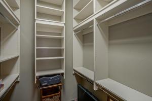 Bedroom 3 - Closet