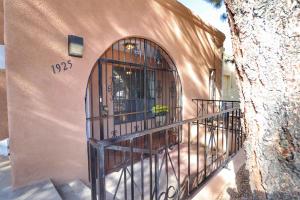 4-Entry Porch