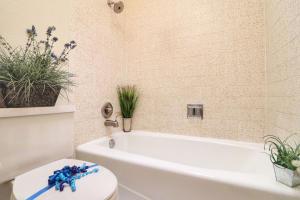 27-Master Bath