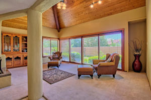 2108 Campbell Rd NW-large-023-18-Campbel