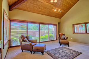 2108 Campbell Rd NW-large-027-41-Campbel