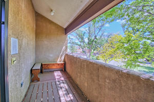2108 Campbell Rd NW-large-048-48-Campbel