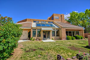2108 Campbell Rd NW-large-005-11-Campbel