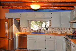 Cabinets Freshly Painted!