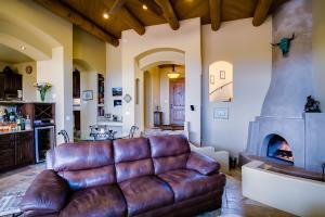 011_Living Room (8)
