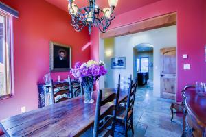 015_Dining Room (1)