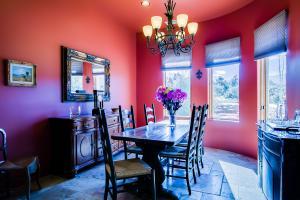 016_Dining Room (2)