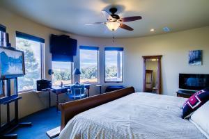 034_Master Bedroom (3)