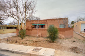 Property for sale at 812 Monroe Street NE, Albuquerque,  NM 87110