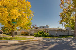 Property for sale at 600 Raynolds Avenue SW, Albuquerque,  NM 87104