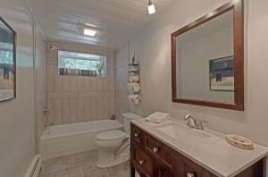 3rd Bathroom 2 - Copy