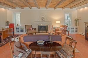 Living Room 5 - Copy