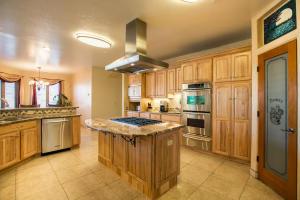 034-Kitchen