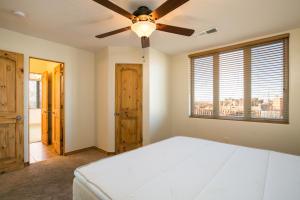 051-Bedroom3