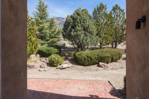 725 Tramway Vista Loop NE Unit-large-037