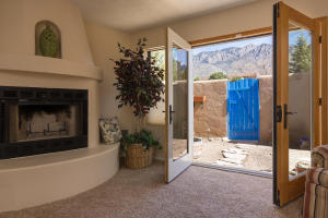 725 Tramway Vista Loop NE Unit-large-026