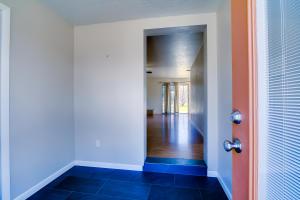 Entry:Foyer