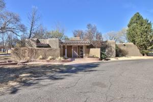 Property for sale at 820 Salamanca Street NW, Los Ranchos,  NM 87107