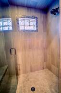 Office/Bedroom 4 Shower
