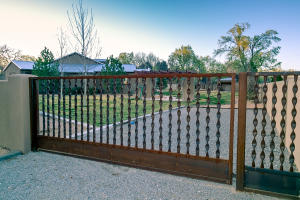 Handcrafted electronic gate