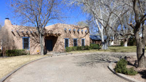 8203 Guadalupe Trail Albuquerque Front2