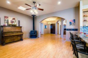 10 kitchen living area